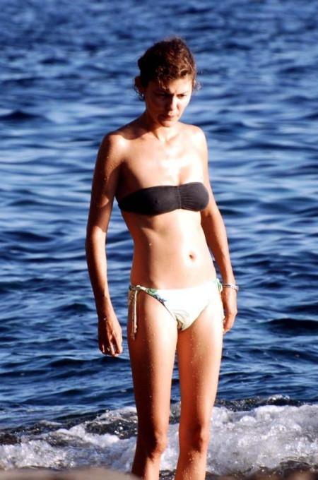 Audrey_Tautou-bikini-aug2008_h02